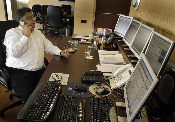 Rakesh Jhunjhunwala Success Story from Rs 5000 to Rs 19,000 Crores